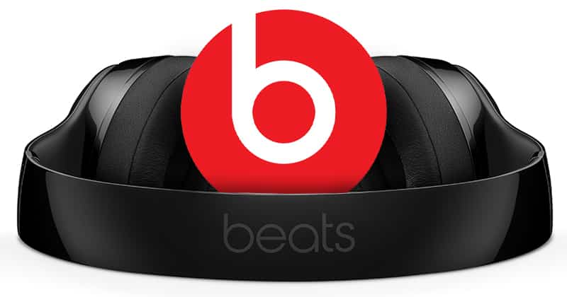 Beats by Dre Solo 3 Wireless with Beats logo in the middle.